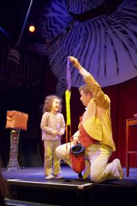 Un tour extrait du spectacle pour les enfants de Peter Din