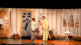 Peter et un jeune spectateur dans la Maison Magique (2017)